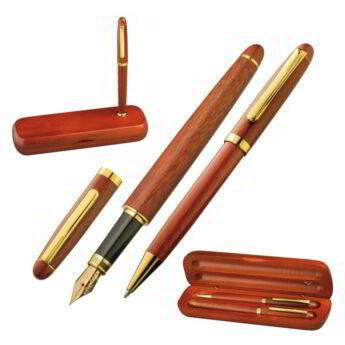 """""""John"""" tollkészlet fadobozban"""